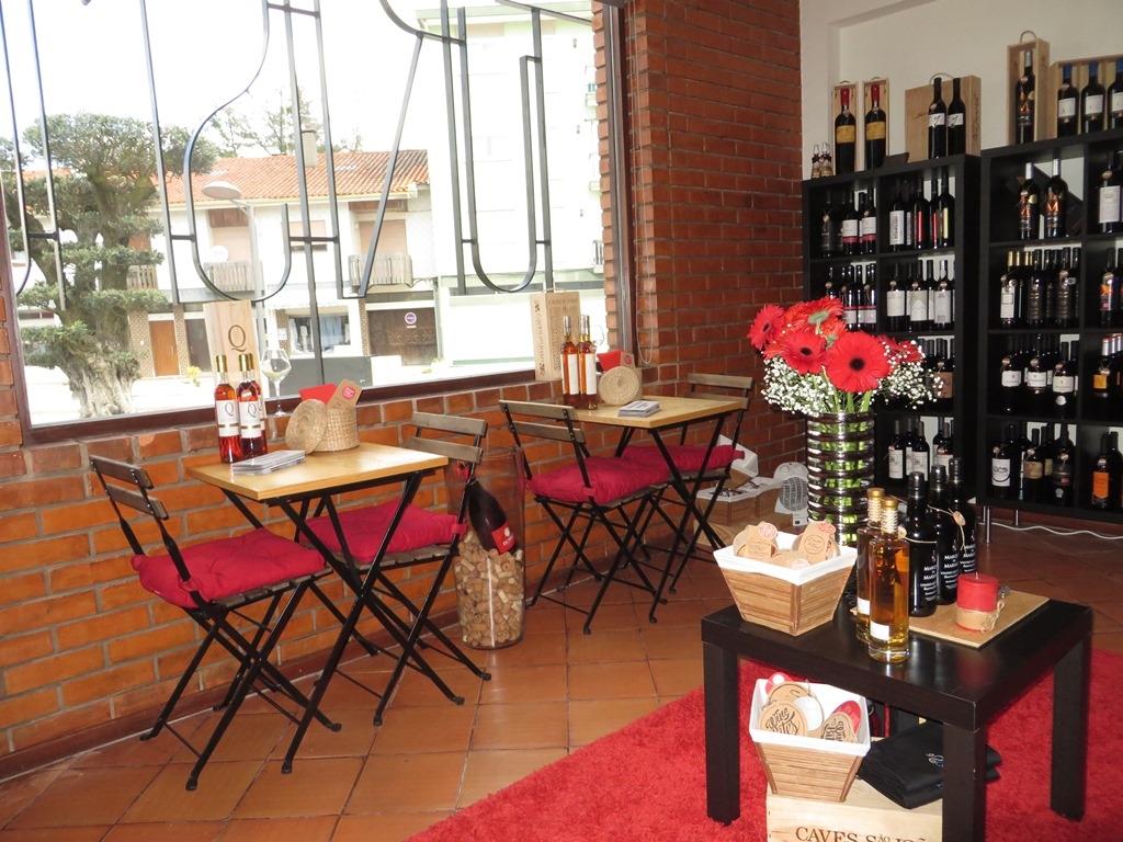 Espaço Bairrada Oliveira do Bairro, Wine & Tourism And Passion  Stores